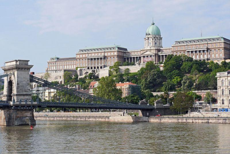 Королевский дворец и Цепной мост Сечени в Будапеште