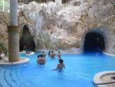 Пещерная купальня Мишкольцтапольца и барочный Эгер