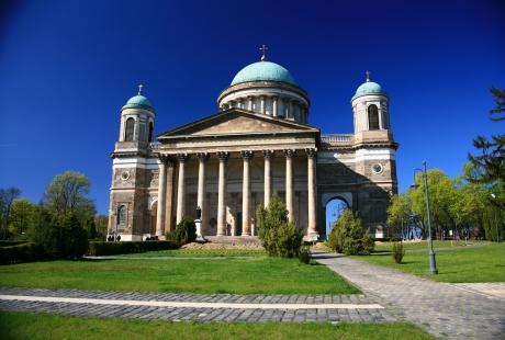 Базилика Вознесения Пресвятой Девы Марии и Святого Адальберта. (Эстергомская базилика)